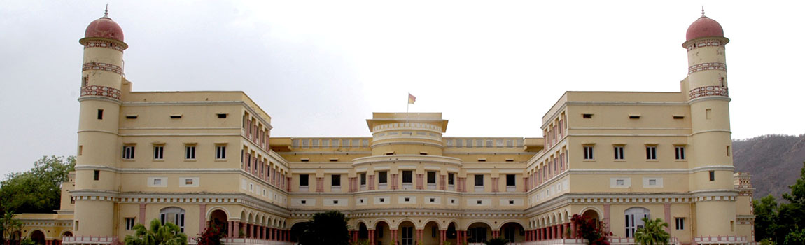 sariska-palace